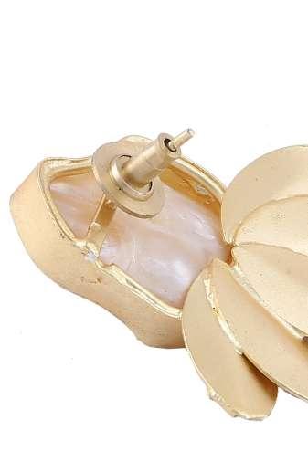 Pearl & Golden Leaf Stud Earring-3