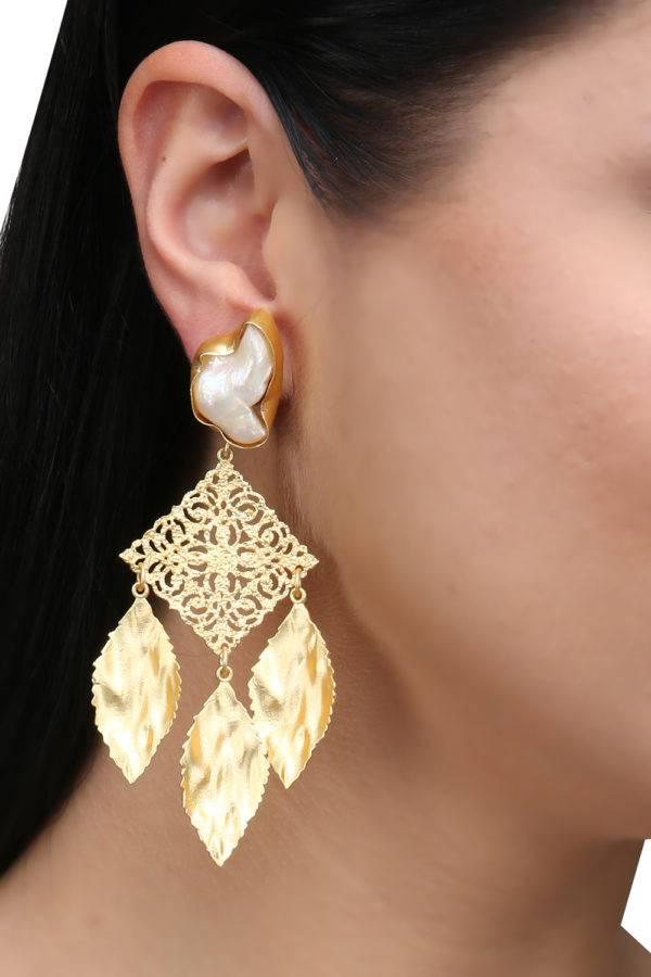 Golden Leaf Pearl Earrings-2