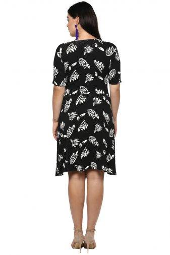 Plus Size Monochrome Skater Dress-4