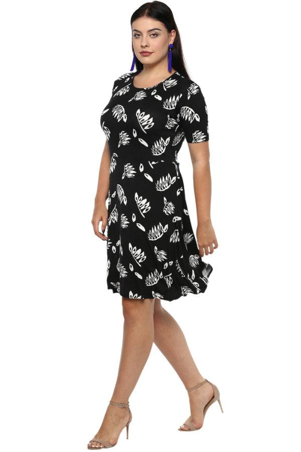 Plus Size Monochrome Skater Dress-5
