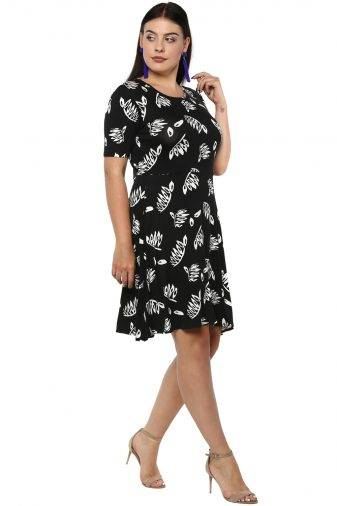 Plus Size Monochrome Skater Dress-3
