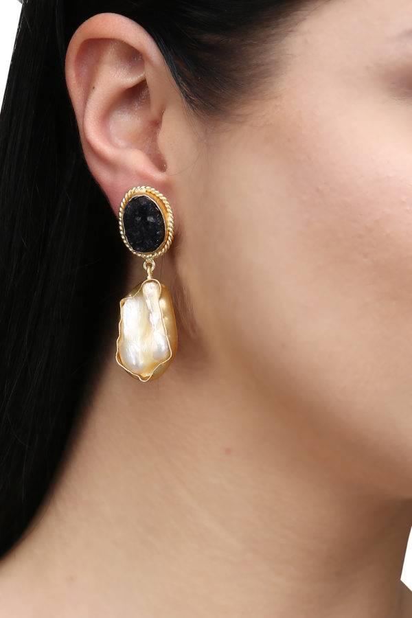 Black Stone Pearl Earrings-2