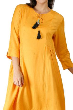 yellow-pleated kurti-detail