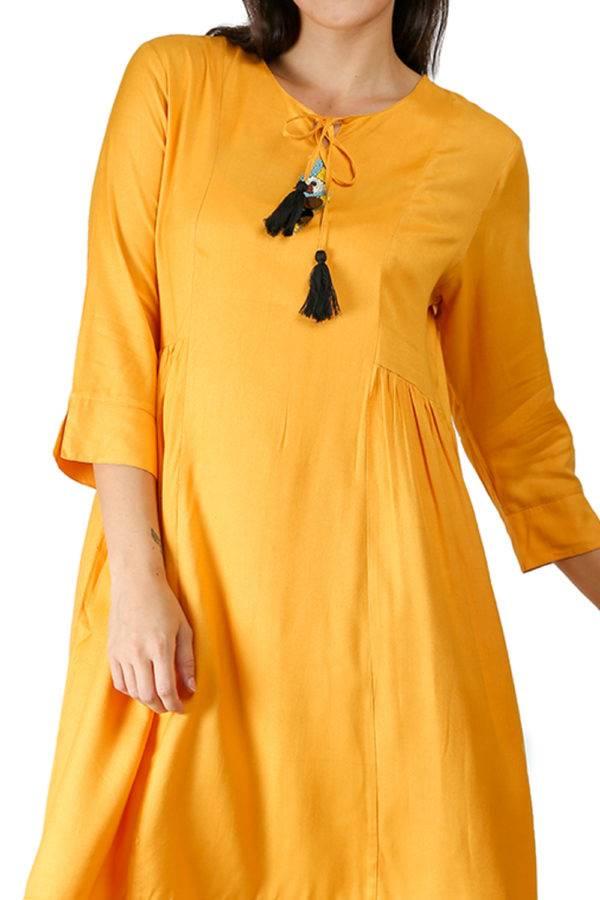 yellow-pleated kurti-detail