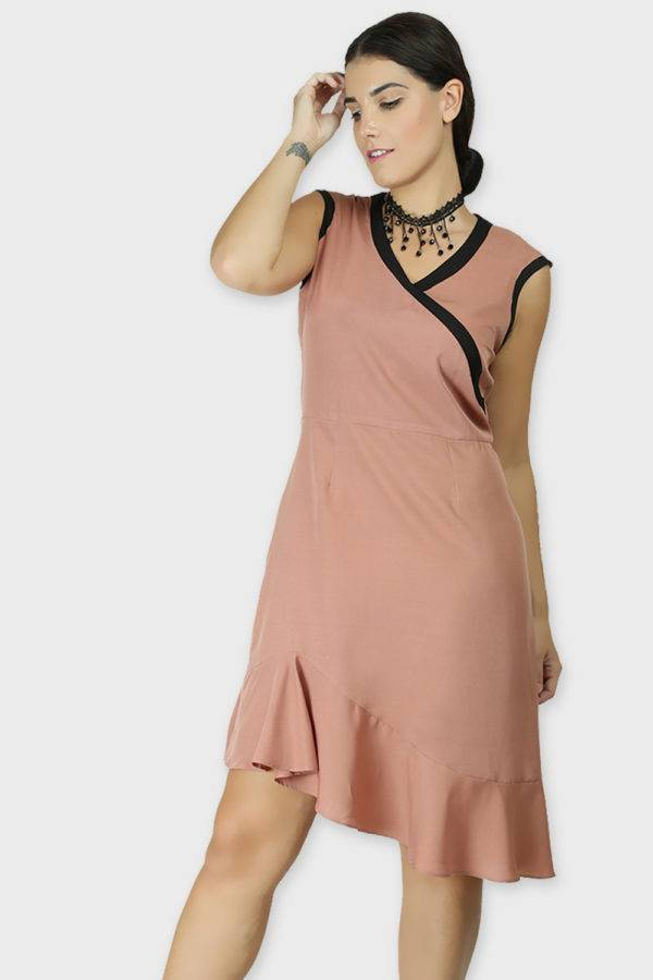 LASTINCH Crisscross Neck Assymetric Peach Dress With Pearl Neckless1
