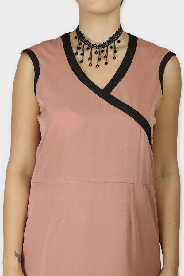 LASTINCH Crisscross Neck Assymetric Peach Dress With Pearl Neckless2
