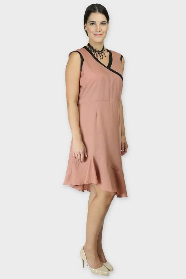 LASTINCH Crisscross Neck Assymetric Peach Dress With Pearl Neckless5
