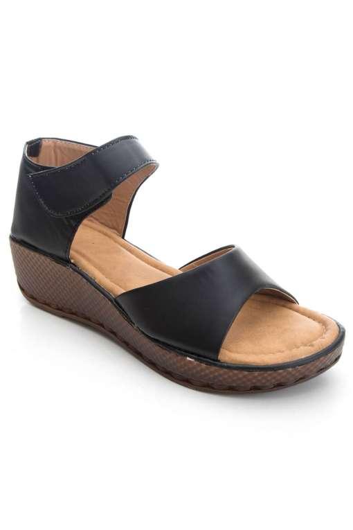 Black Flatform Strap Wedges Sandals1